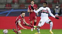 Rána pro fotbalový Liverpool. Portugalský útočník Diogo Jota je po duelu Ligy mistrů proti Midtjyllandu zraněný. Problém s kolenem jej nepustí do hry šest až osm týdnů.