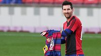 Lionel Messi zaplatí pokutu za nedělní oslavu gólu, kterou v ligovém utkání s Pamplonou uctil zesnulou argentinskou legendu Diega Maradonu.
