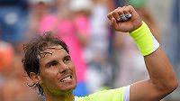 Rafael Nadal zatím v Indian Wells vítězí, ale míčky mu kazí radost ze hry.