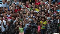 Brazilští demontranti protestují během fotbalového Poháru FIFA.