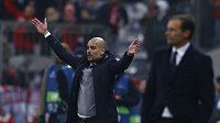 Trenér Bayernu Pep Guardiola (vlevo) se nakonec mohl radovat z postupu. Vpravo trenér Juventusu Massimiliano Allegri.