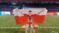 Útočník Bayernu Mnichov a nejlepší hráč uplnyulé sezony Bundesligy Robert Lewandovski.