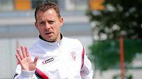Fotbalisty Baníku Ostrava by měl vést osmatřicetiletý trenér Martin Svědík, který skončil v druholigových Pardubicích.
