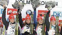 Vítězná štafeta českých biatlonistek při SP na Holmenkollenu: (zleva) Veronika Vítková, Jitka Landová, Gabriela Soukalová a Eva Puskarčíková.