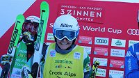 Česká skikrosařka Nikol Kučerová (na snímku) přišla o slavnou soupeřku, Kanaďanka Serwaová ukončila kariéru.