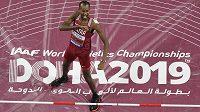 Radost Katařana Mutaze Issy Baršima při finále mistrovství světa v Dauhá.