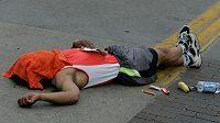Běhejme raději tak, aby maraton nemusel končit na zemi. (ilustrační foto)