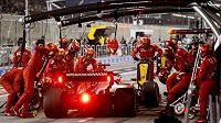 Od Ferrari se podle soupeřů line vůně.