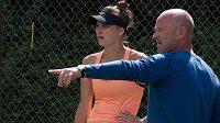 Česká tenistka Markéta Vondroušová a její trenér Martin Fassati.