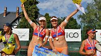 Mistryně republiky v plážovém volejbalu Barbora Hermanová a Markéta Sluková vyrazily za přípravou na Tenerife (ilustrační foto)