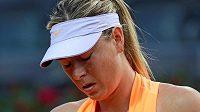 Maria Šarapovová si na letošním Roland Garros nezahraje.