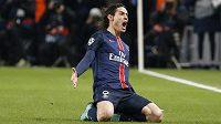 Útočník Paris St. Germain Edinson Cavani slaví gól proti Chelsea.