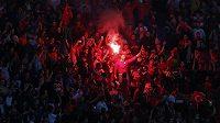 Turečtí fanoušci během zápasu s Českem na ME ve Francii.