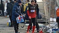 Opavský Zdeněk Pospěch si v nedělním přípravném utkání v Karviné zřejmě obnovil zranění kolene.