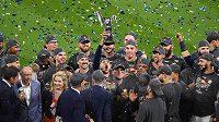 Bassebalisté Houstonu Astros se radují po vítězství v sedmém zápase play-off MLB nad NY Yankees a také z postupu do Světové série.