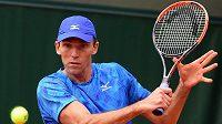 Chorvatský tenista Ivo Karlovič lituje, že nehraje obouručný bekhend. S ním by byl prý neporazitelný.