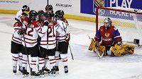 Kanadské hokejistky nedaly Ruskám šanci.
