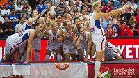 Basketbalistky Srbska slaví zlato na ME.