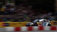 Katalánskou rallye vede po první etapě mistr světa Sébastien Ogier.