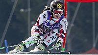 Anna Fenningerová z Rakouska na cestě pro výhru v super-G v Bansku.