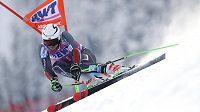 Norský lyžař Henrik Kristoffersen během prvního kola Světového poháru v obřím slalomu v Adelbodenu.