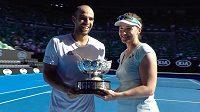 Abigail Spearsová vyhrála smíšenou čtyřhru na Australian Open spolu s Juanem-Sebastianem Cabalem.