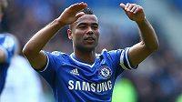 Anglický obránce Ashley Cole vymění dres Chelsea za AS Řím.