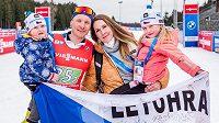 V cíli posledního závodu čekalo Ondřeje Moravce dobře utajené, a o to větší překvapení: manželka Veronika, dcera Rozálie a syn Ondřej.