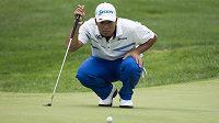Japonský golfista Hideki Macujama je po druhém kole PGA Championship na děleném prvním místě.
