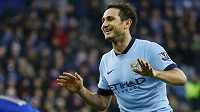 Záložník Manchesteru City Frank Lampard se raduje z gólu.