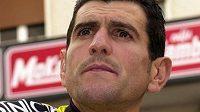 Španělský cyklista Abraham Olano před zahájením Gira d´Italia v roce 2001.