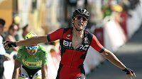 Belgičan Greg Van Avermaet jásá po triumfu 13. etapě Tour de France před Slovákem Peterem Saganem.