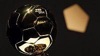 Zlatý míč FIFA.