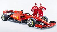 Sebastian Vettel přivítal u Ferrari nového kolegu Charlese Leclerca.