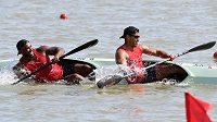 Do cíle chyběly zhruba dva metry, když už se kajakáři z Tongy nad vodou neudrželi.