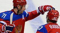 Ruské hokejové hvězdy zleva Ilja Kovalčuk a Alexandr Radulov.