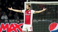 Nizozemský fotbalový reprezentant Daley Blind se po dvouměsíční pauze zaviněné zánětem srdečního svalu vrací do týmu Ajaxu Amsterdam.