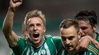 Tomáš Berger (vlevo) oslavuje se spoluhráčem z Bohemians Matúšem Mikušem gól proti Příbrami.