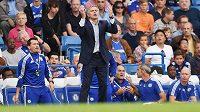 Trenér Chelsea José Mourinho během utkání s Crystal Palace.