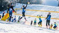 Mistrovství republiky ve snow-volejbalu bylo plné překvapení.