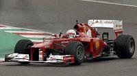 Sebastian Vettel si na okruhu ve Fioranu vyzkoušel vůz F2012.