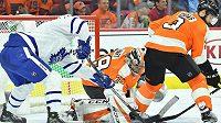 Obránce Philadelphie Flyers Radko Gudas v akci.