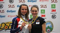 Archivní fotografie ze závodu SP v Mnichově 2011, kde Adéla Sýkorová (vlevo) získala medaili společně s Kateřinou Emmons.