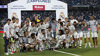 Hráči Realu po vítězství v Santiago Bernabéu trophy.