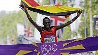 Stephen Kiprotich z Ugandy protíná cílovou pásku olympijského maratónu.