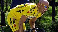Bývalý slavný italský cyklista Marco Pantani na snímku z roku 2001.