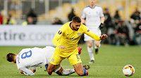 Záložník Chelsea Ruben Loftus-Cheek (ve žlutém) je zraněný a za anglickou reprezentaci si proti Česku nezahraje.