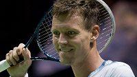 Radost Tomáše Berdycha. Na turnaji v Rotterdamu postoupil po roce znovu do finále.