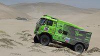 Martin Kolomý na Dakaru útočí na stupně vítězů.