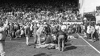 Na fotbalovém stadiónu Hillsborough zemřelo před třiadvaceti lety 96 fanoušků.